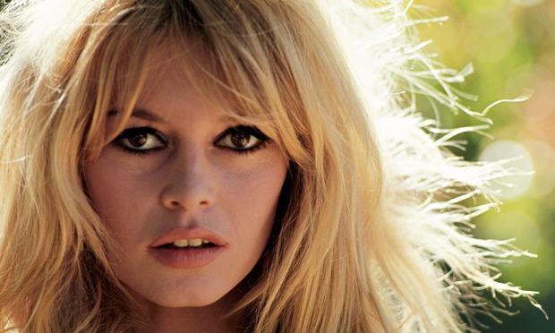 SARDOSONO, Se fossi Pigliaru… con Brigitte Bardot e Giulia Maria Crespi