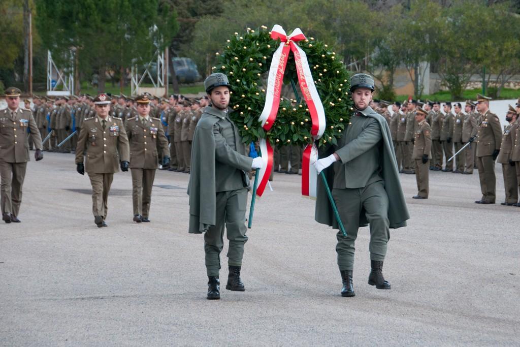 """BRIGATA SASSARI, Celebrata la festa di corpo e delle bandiere di guerra. Generale Nitti: """"Il mio deferente pensiero va ai Caduti ed alle loro famiglie"""""""