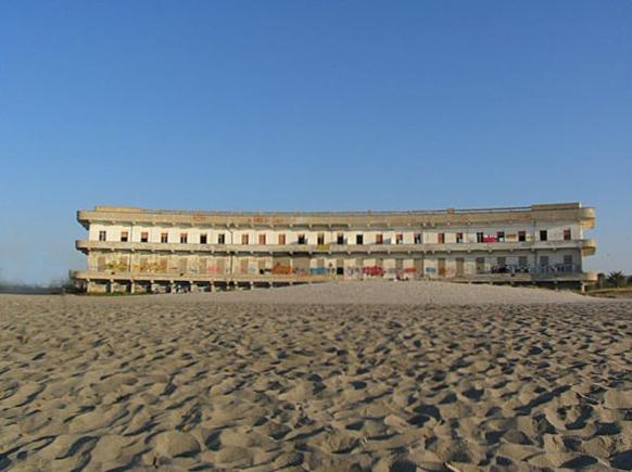 Un hotel all'ex Ospedale Marino di Cagliari? Potrebbe costarci molto caro (Mario Gottardi)