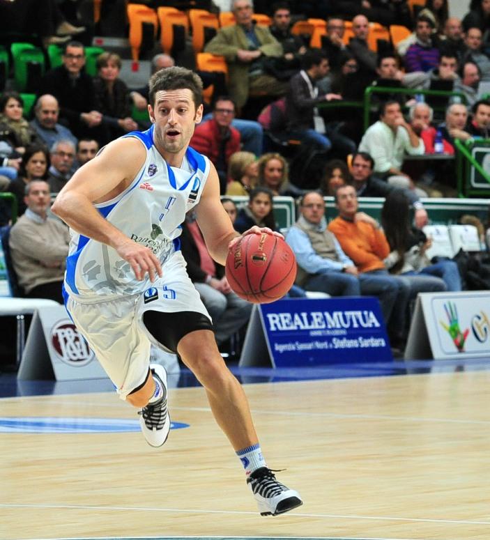 PALLACANESTRO, La Dinamo passa ad Avellino (83-70) e prosegue la strada verso i playoff scudetto