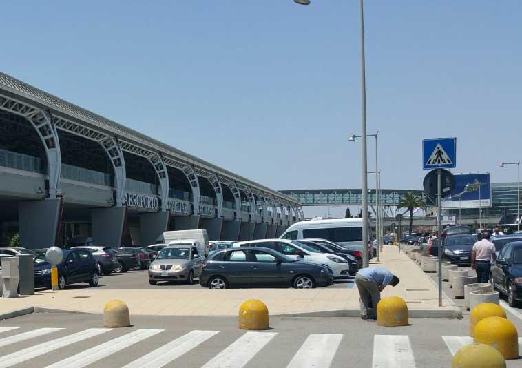 ELMAS, Tenta di imbarcarsi per Londracon passaporto greco rubato e falsificato: arrestato 41enne albanese