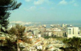 Gli 'harraga' algerini partono per un'immagine falsa dell'Europa (Ahmed Tahtah)