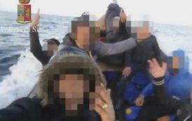 """SANT'ANNA ARRESI, In poche ore sbarcano altri 100 algerini. Deidda (FdI): """"Blocco navale e rimpatri immediati"""""""