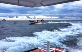 SANT'ANTIOCO, Partono in 13 dall'Algeria, ma dopo un'avaria 10 si buttano in mare: trovati due cadaveri
