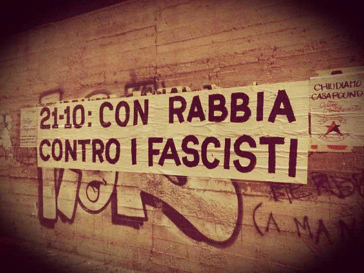 """CAGLIARI, Antagonisti in corteo contro apertura di una sede: """"Riprendiamoci le strade, chiudiamo CasaPound"""""""