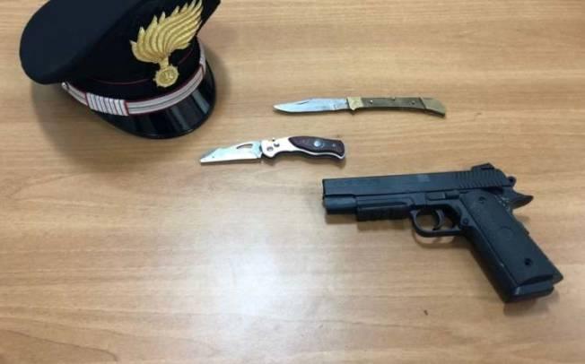 CAGLIARI, Fugge all'alt e sperona la macchina dei carabinieri: arrestato pregiudicato 41enne quartese