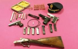 OLBIA, Aveva pistola, cartucce, detonatore e pistole giocattolo modificate in roulotte: arrestato 64enne