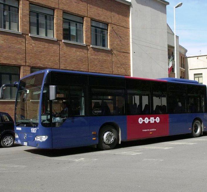 VILLAGRANDE STRISAILI, 62enne denunciato per aver palpeggiato una 14enne sull'autobus Arst