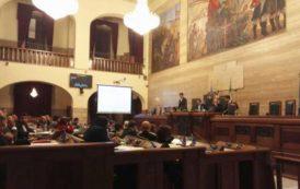 CAGLIARI, Durante l'approvazione in Consiglio del Dup, scintille tra Zedda e Massidda per la visita di Renzi