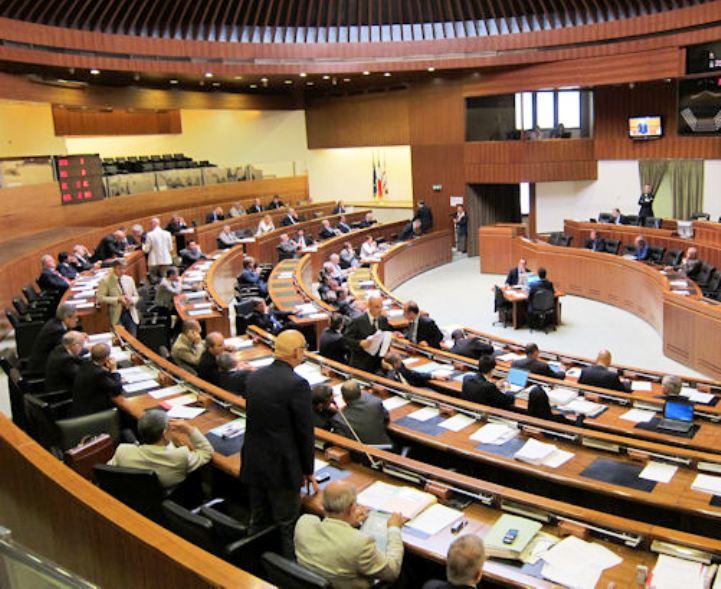 """ENTI LOCALI, Coro unanime dell'opposizione: """"Con questa legge perde la Sardegna, creando  territori di serie A e B"""""""