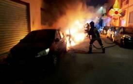 SARDEGNA, Auto incendiate ad Elmas e Pirri: distrutte quattro auto