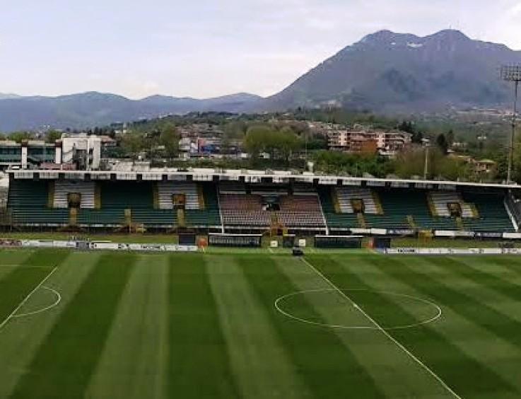 CALCIO, Il Cagliari espugna il Partenio (2-1): vittoria sofferta e complicata
