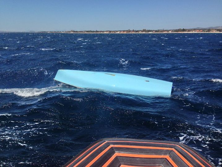Quartu, barca a vela si ribalta: Guardia costiera soccorre un 50enne