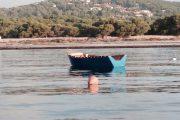 SANT'ANTIOCO, Barchino con 8 algerini alla deriva a 50 miglia dalla costa: salvati dalla Guardia costiera
