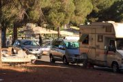 CAGLIARI, Rom organizzano campo sosta nel parcheggio dell'ospedale Brotzu (FOTO)