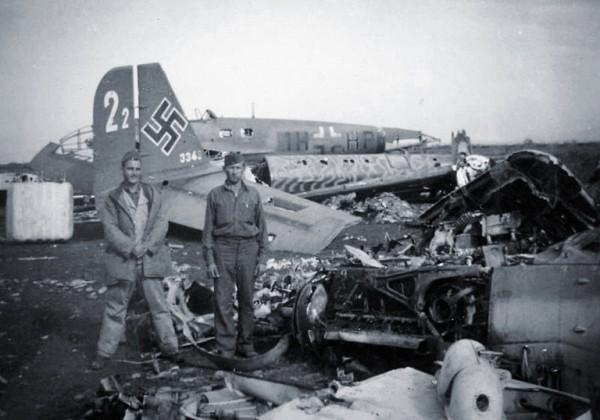Aeroporto di Villacidro, autunno 1943. Relitti di velivoli tedeschi abbandonati