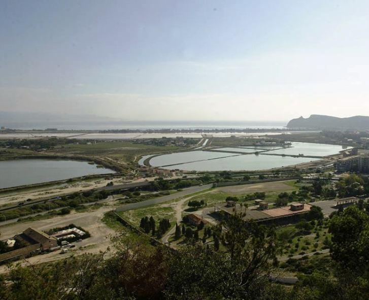 CAGLIARI, Restituire al quartiere l'ex deposito dell'Aeronautica a Monte Urpinu