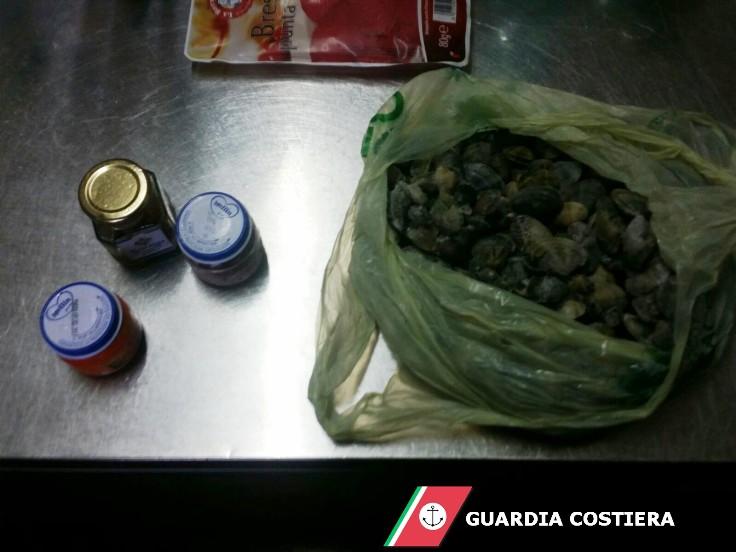 OLBIA, Sequestrati in tre ristoranti 1,6 chili di polpa di ricci e 1,7 di arselle pescati illegalmente