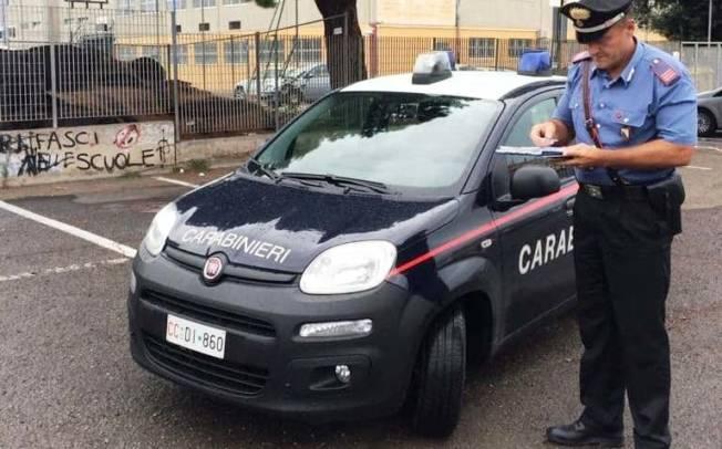 CAGLIARI, Motorino senza assicurazione e revisione, aggredisce i carabinieri: arrestato pregiudicato 50enne