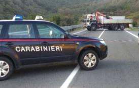 CASTIADAS, Fallito assalto a furgone portavalori sulla 125: 4 colpi di kalashnikov contro il mezzo che forza blocco dei banditi