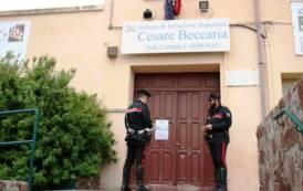 CARBONIA, Sventato furto nella scuola di via Umbria e monete rubate nella sede dell'Auser