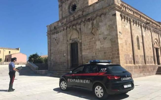 TRATALIAS, Tenta di rubare un'auto: arrestato pregiudicato 27enne rumeno