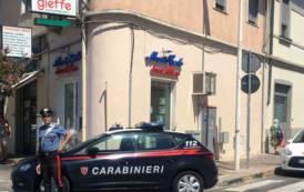 CAGLIARI, Tenta di rapinare commerciante marocchino in viale Bonaria: arrestato pregiudicato algerino