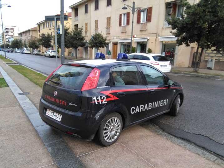 Carabinieri_auto_Carbonia