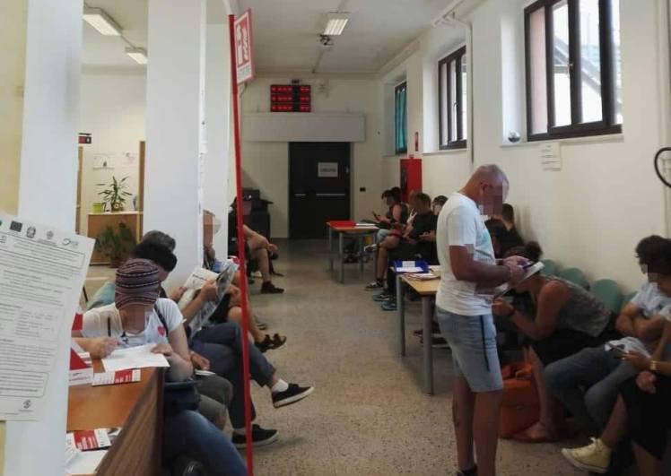 A Cagliari il server del Centro per l'impiego prosegue le 'ferie' e manda a casa gli utenti (Stefano Musu)
