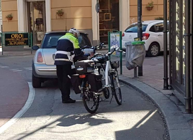 CAGLIARI, Vigili-ciclisti a caccia di trasgressori nelle piste ciclabili