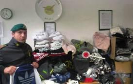 SASSARI, Sequestrati oltre 200.000 capi ed accessori di abbigliamento contraffatti: denunciati 5 responsabili