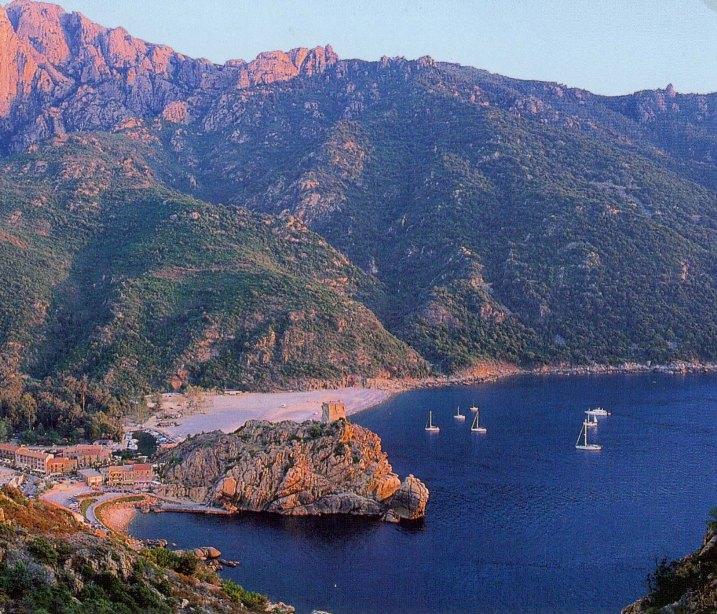 Mentre in Corsica costruivano il futuro, in Sardegna vent'anni di politica 'castrista' (Romano Fischetti)