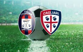 CALCIO, Punto d'oro del Cagliari a Crotone (1-1). Polemiche sul Var
