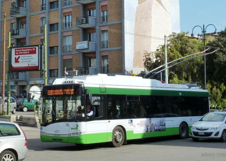 QUARTU SANT'ELENA, Arrestato un pregiudicato 18enne per aver danneggiato un autobus Ctm