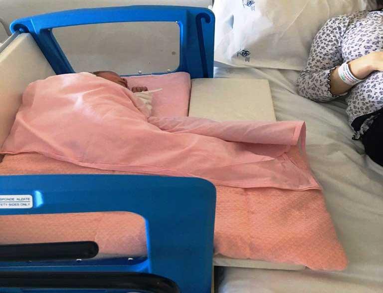 """OLBIA, Donazione di una giovane coppia: comprate 20 culle neonatali per Pediatria del """"Giovanni Paolo II"""""""