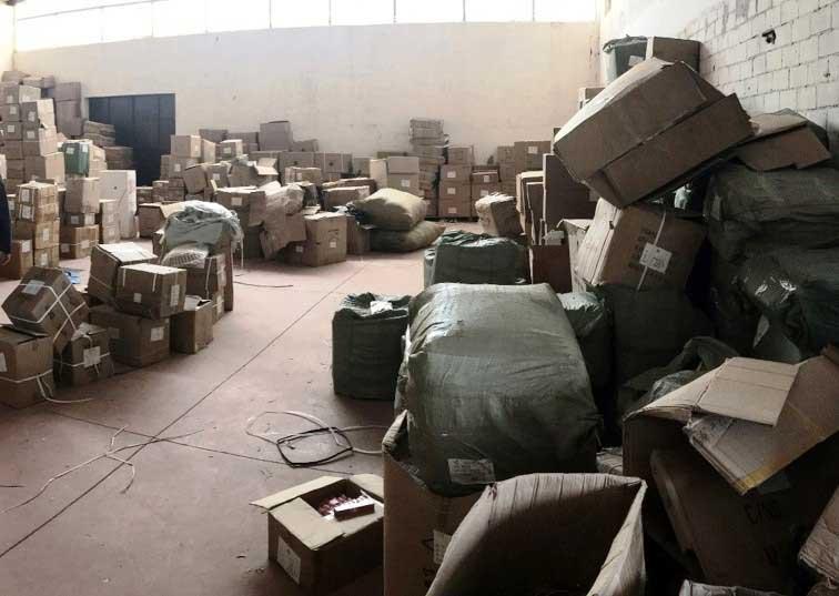 ASSEMINI, Magazzino cinese di prodotti non sicuri e contraffatti: sequestrati oltre 2 milioni di articoli