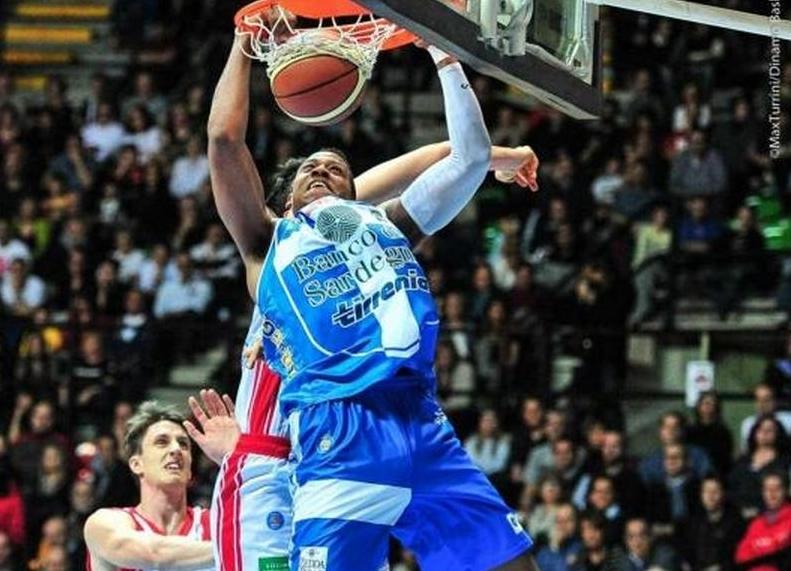 PALLACANESTRO, Una brutta Dinamo perde (82-63) la 'prima' della finale Scudetto contro Reggio Emilia