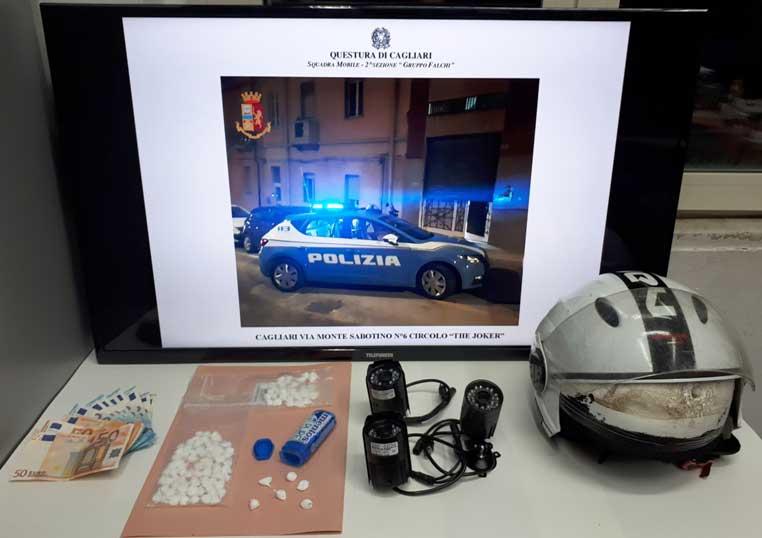 CAGLIARI, Spaccio di cocaina nel circolo di via Monte Sabotino: arrestati due giovani