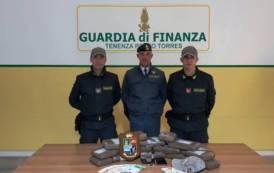 PORTO TORRES, Sbarca dalla Spagna con 15 chili di cocaina: arrestato corriere spagnolo (VIDEO)