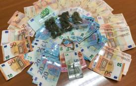 SAN GAVINO, Trovato in possesso di marijuana e oltre 3.000 euro in contanti: arrestato 41ennedi Gonnosfanadiga