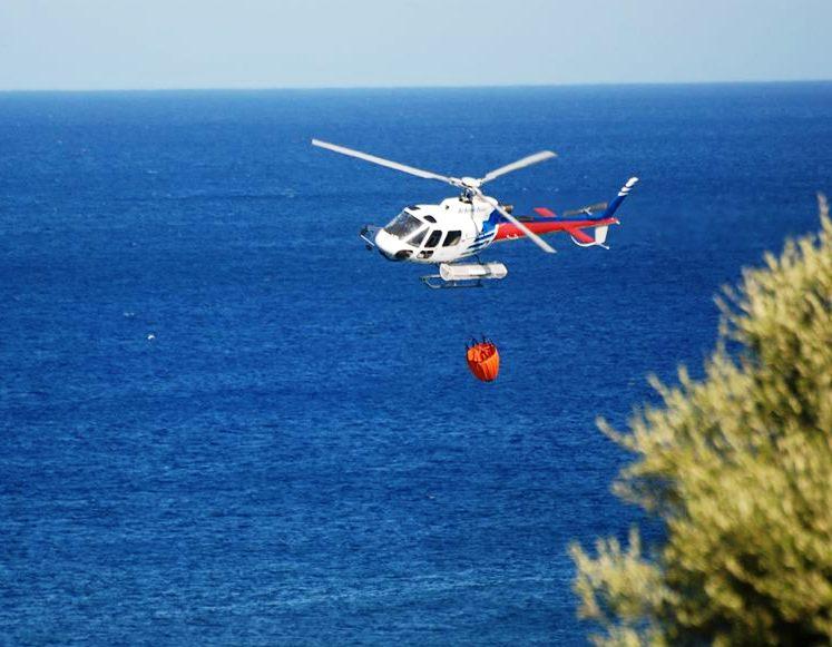 """ARZANA, Precipita elicottero del Corpo Forestale: due feriti in ospedale. Pigliaru: """"Grazie agli operatori dell'antincendio"""""""