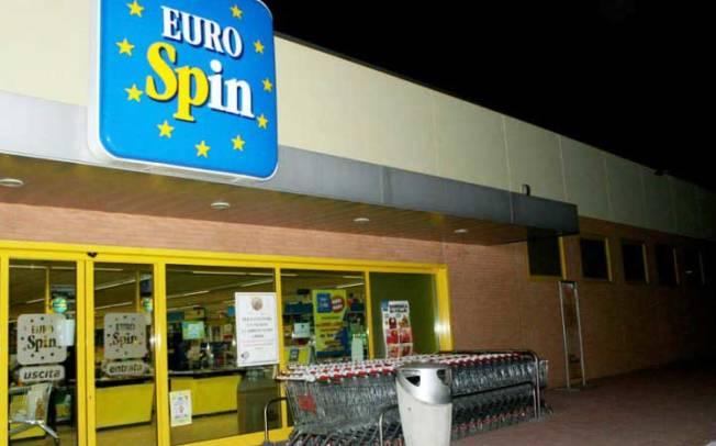 CAGLIARI, Ruba alimenti ed abbigliamento all'Eurospin: arrestato pregiudicato gambiano