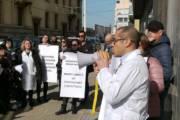"""SANITA', Farmacisti senza sede riconsegnano schede elettorali al presidente Mattarella: """"Regione viola articolo 4 Costituzione"""""""