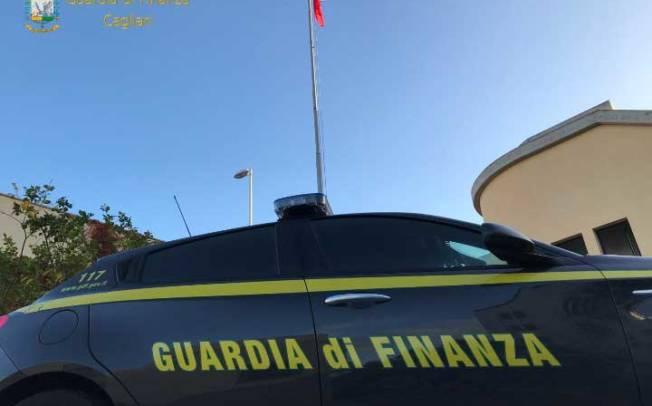 CAGLIARI, Sequestri di hashish e marijuana: arrestato al Porto un nigeriano e 10 consumatori segnalati alla Prefettura