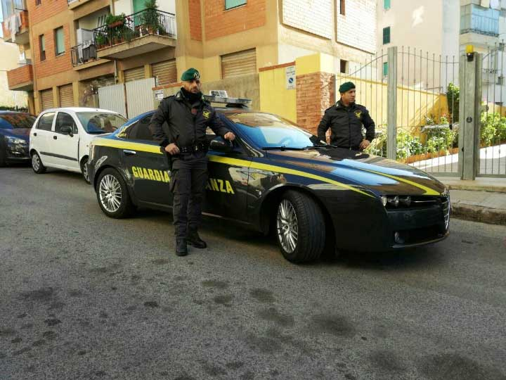 Migranti:ospiti centro accoglienza Sassari con eroina e marijuana