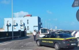 BOSA, Controlli contro il commercio abusivo: sanzione per 5.000 euro e sequestro degli articoli