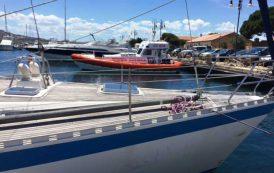 LA MADDALENA, Collisione tra un peschereccio ed una barca a vela: gravi danni all'unità da pesca