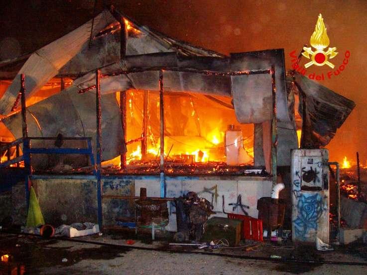 SELARGIUS, Incendio nel campo nomadi a Pitz'e Pranu: messe in sicurezza alcune bombole di gpl