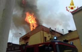 MONASTIR, Incendio in una palazzina: illesi due anziani (VIDEO)
