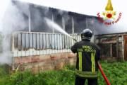 QUARTUCCIU, Incendio in un casolare a Sant'Isidoro: bombola Gpl individuata e portata all'esterno